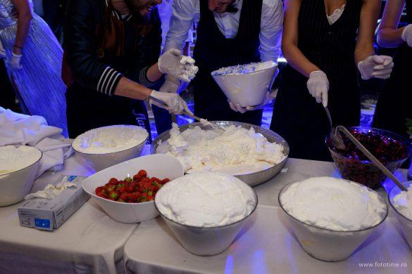 Si-au facut singuri tortul de nunta ajutati de Chef Foa - fototime (1)